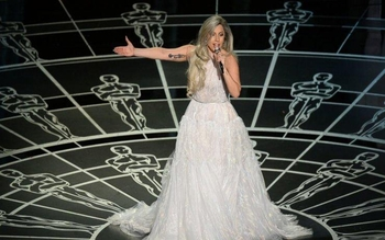 Oscar 2015/ Lady Gaga ... in top