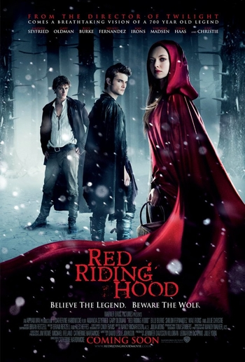 Red Riding Hood – Scufita rosie moderna